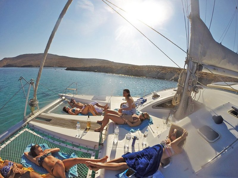 Mykonos daily sailing charters