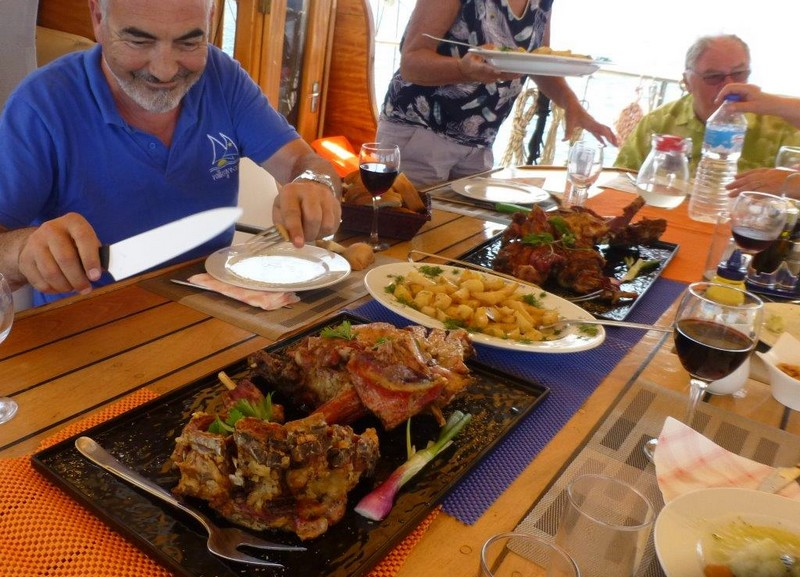 Meals on a yacht charter holiday