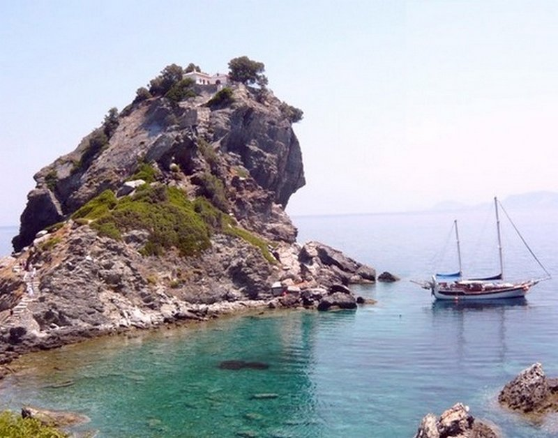 Yachting around Skopelos